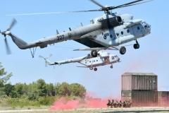 U vojarni Pukovnik Mirko Vukušić u Zemuniku kod Zadra u srijedu, 8. rujna 2021., održan je sastanak predstavnika Međunarodnog središta za obuku specijalnih zračnih snaga (Multinational Special Aviation Training Centre - MSAP TC) sa predstavnicima NATO-ovog Zapovjedništva za specijalne operacije (NSHQ), zapovjednicima i predstavnicima specijalnih snaga iz Bugarske, Grčke, Hrvatske (Zapovjedništvo specijalnih snaga), Mađarske, Italije, Nizozemske, Poljske i Sjedinjenih Američkih Država, kao i predstavnicima Hrvatskog ratnog zrakoplovstva. Sudionici sastanka borave u radnom posjetu MSAP-u održanom  u organizaciji MSAP-a i NSHQ-a uz potporu Glavnog stožera OSRH s ciljem predstavljanja dostignutih sposobnosti Središta, kao i razmjene mišljenja o daljnjem razvoju NATO-ovih specijalnih zračnih snaga | Foto: MORH/ T. Brandt