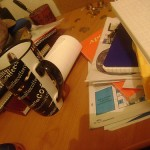 Ilustracija: Nered na radnom stolu