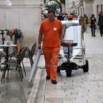 Čistač ulice (Foto: Ivan Katalinić)