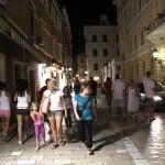 Grad noću ljudi (Foto: Ivan Katalinić)