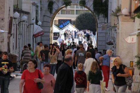 Gužva ljudi (Foto Ivan Katalinić)