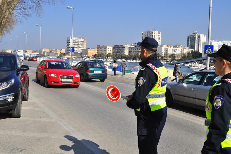 Prometna policija u rutinskoj kontroli (foto: Žeminea Čotrić)