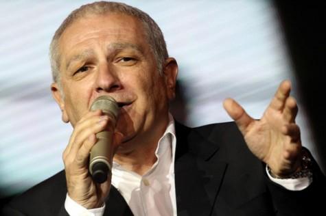 Zeljko Samardzic je pop pevac iz Mostara(BiH) rodjen 3. Oktobra 1955
