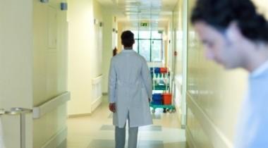 bolnica-zdravstvo-liječnik-pacijent-421x238
