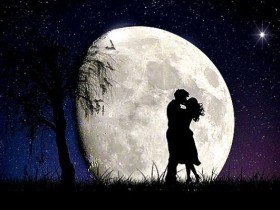 moon-2106892_960_720-696x398