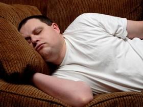 muškarac spava ilustracija